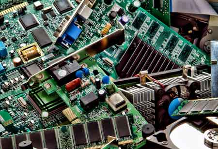 How Outsourcing Fabrication Triggers Semiconductor Innovations