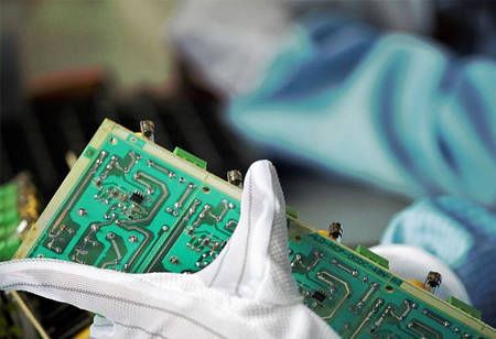 Is China Really Close to Become the World Leader in Semiconductors?